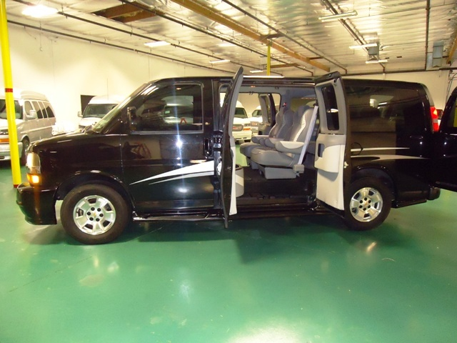2010 Majestic Presidential Conversion Van